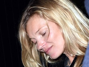 Kate Moss: borracha