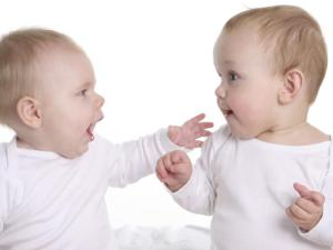 Dos bebes