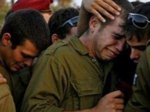 Soldados israelíes lloran