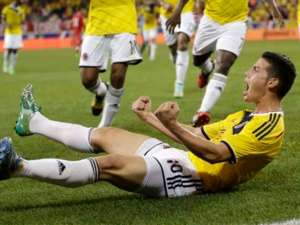 James Rodríguez celebra gol con Colombia