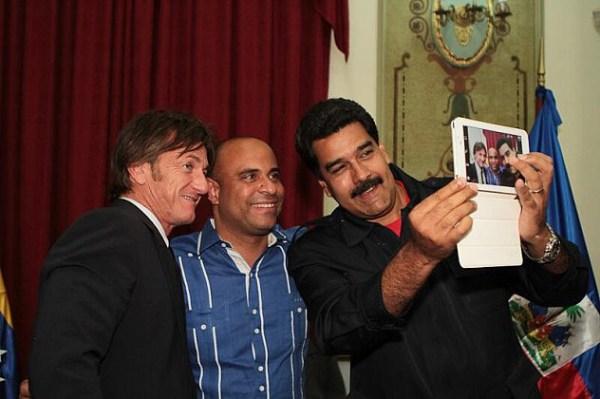 El Presidente Nicolás Maduro junto al actor Sean Penn