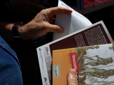 Llevar siempre un libro a la mano propicia el hábito de la lectura