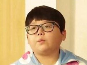Muchos de nosotros nos encantaría retrasar el crecimiento y permanecer por un largo tiempo en la pubertad, tal como le sucede al surcoreano de 26 que no envejece.