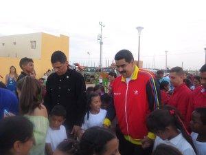 Maduro entregando la vivienda 800 mil en Maracaibo
