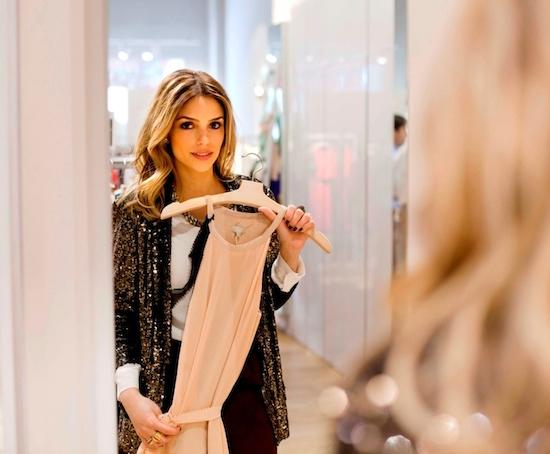 Usa ropa que te haga sentir cómoda, te hará sentir bien y relajada, por tanto, se reflejará en tu rostro