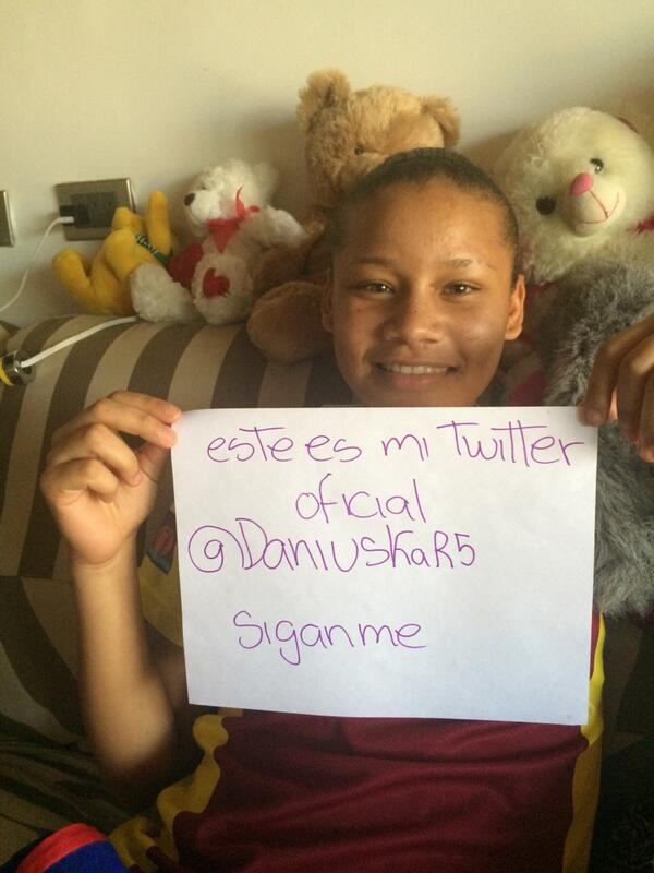 Daniuska Rodríguez promocionando su twitter
