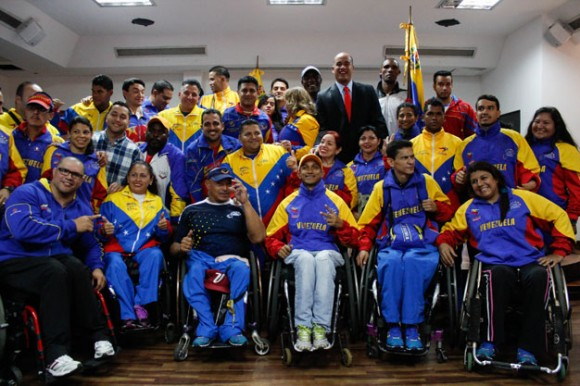 Hoy en día es común ver a atletas con alguna discapacidad que representan el tricolor patrio en competencias internacionales