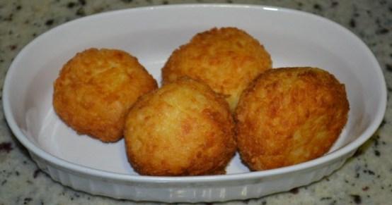 listo-croquetas de yuca-frita