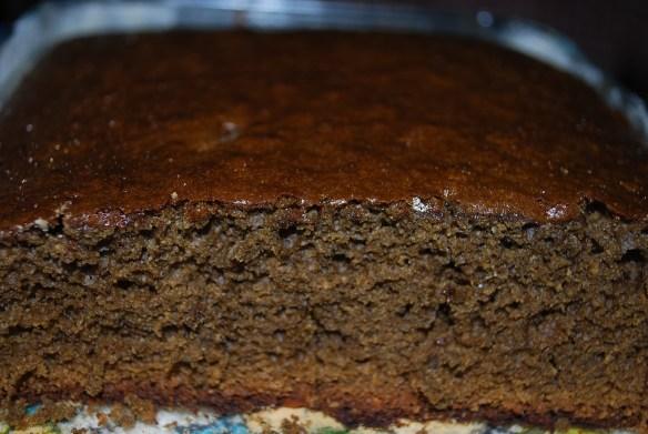 torta-negra-saliendo-del-horno