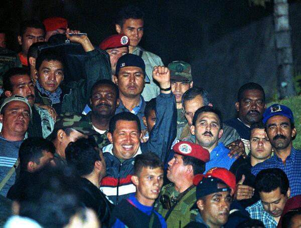 Chavez regresando 13 de abril 2