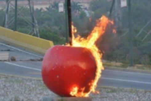 la cereza incendiada