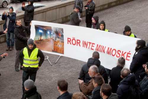 Suède  mobilisation contre l'islamophobe après l'attaque d'une troisième mosquée 10