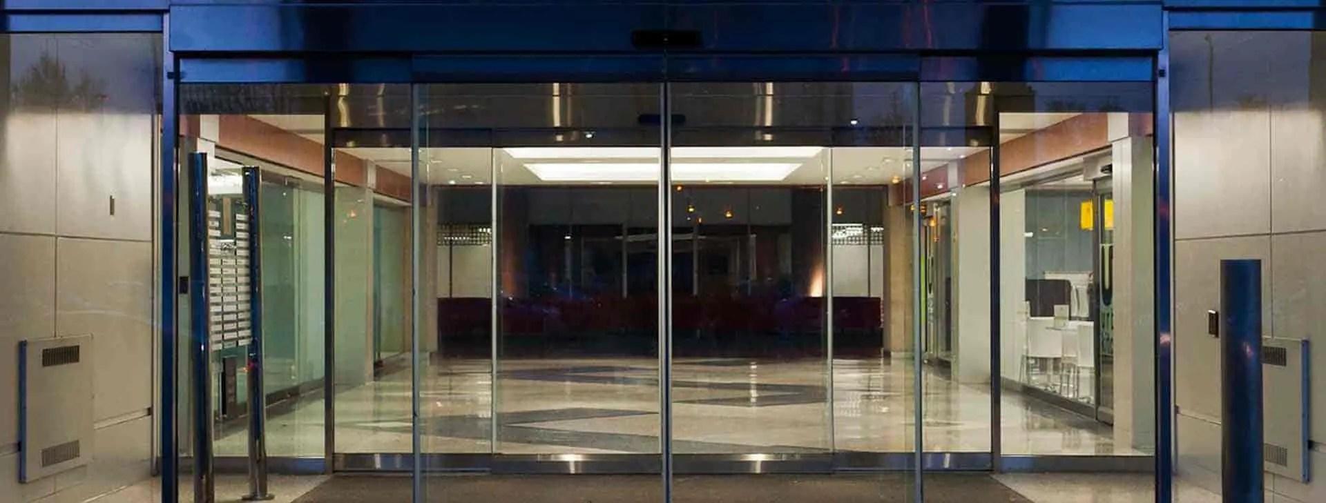 أبواب زجاجية أوتوماتيكية