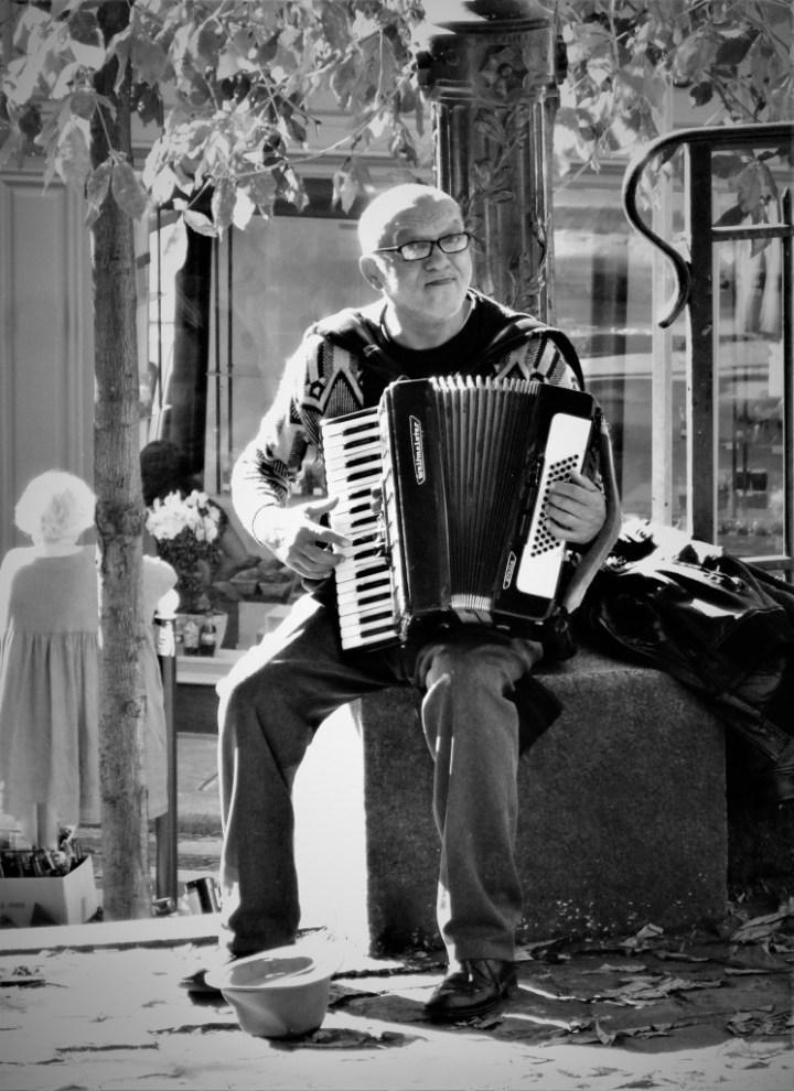 Accordéoniste sur la butte Montmartre