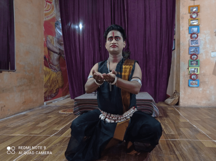 Absorbed in Shiva worship Mohit Khandelwal in Darbhanga