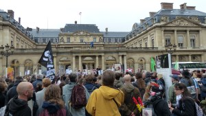 Manifestants anti-corrida devant le Conseil d'Etat (Paris – 20 octobre 2012)