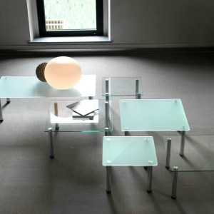 Art.TV13 - Tavolino d'attesa con piano in vetro (VAGHI)