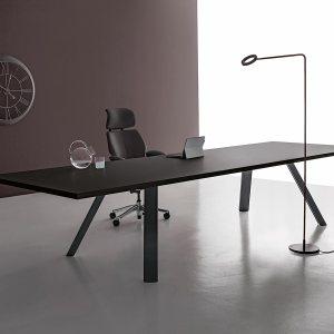 SD30 - TAVOLO scrivania o riunione - gambe oblique, disponibile in NERO o BIANCO (DVO)