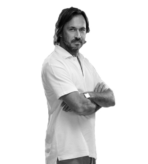 MARC NEWSON Portrait (photo by Romeo Balancourt) - Copyright: © Marc Newson, Romeo Balancourt