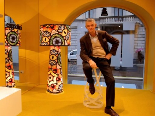 Giulio Cappellini with the EYE SHADOW Floor Lamp by Marcel Wanders for CAPPELLINI (Special Limited Edition, 2013) - Copyright: ©Design-Milk.com