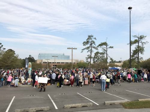 The parking lot is huge and every spot had a seller. - The World's Largest Yard Sale – Hilton Head Island – design42