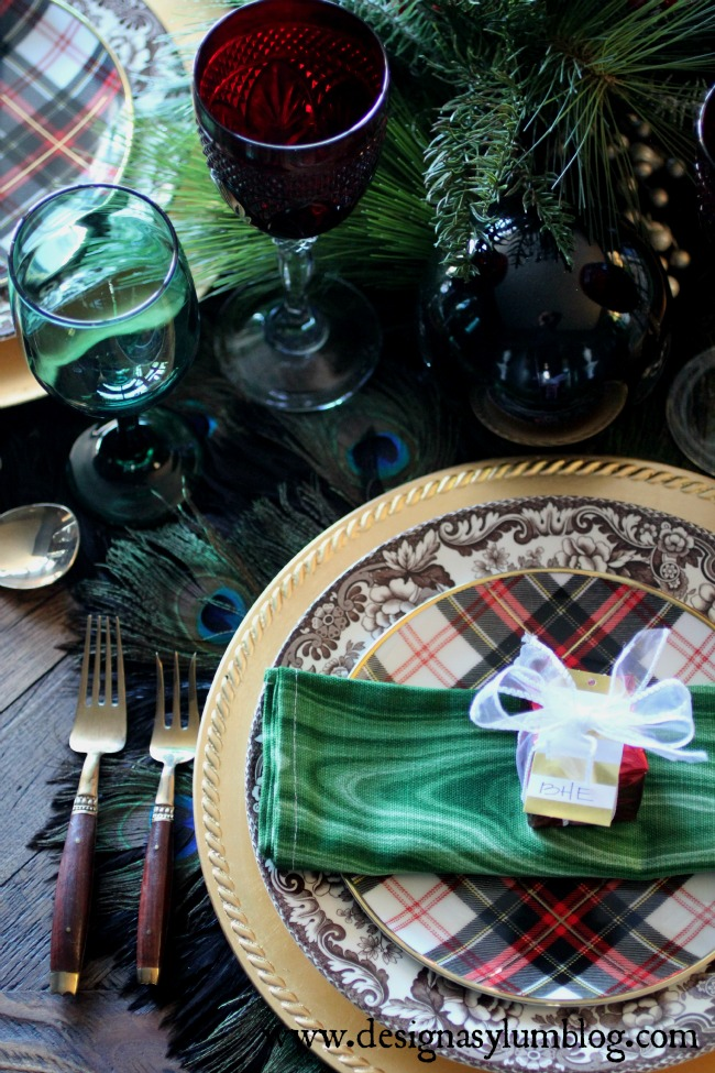 Casa de Loco: Decorating with Green. It's not just for Leprechaun's!