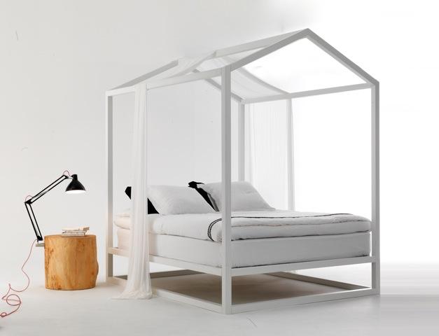 letto baldacchino casetta by mogg