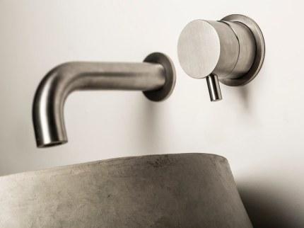 dimensione-74-rubinetteria-design-bagno-in-acciao-inox