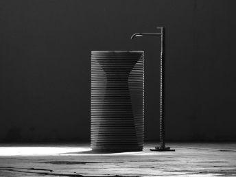 introverso lavabo in monoblocco di marmo di carrara