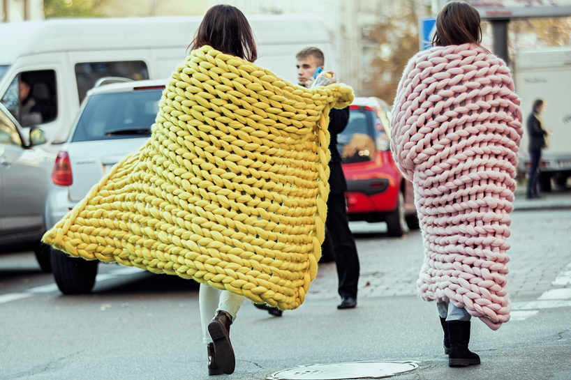 anna marinenko hand-knits ohhio chunky wool collection without using needles