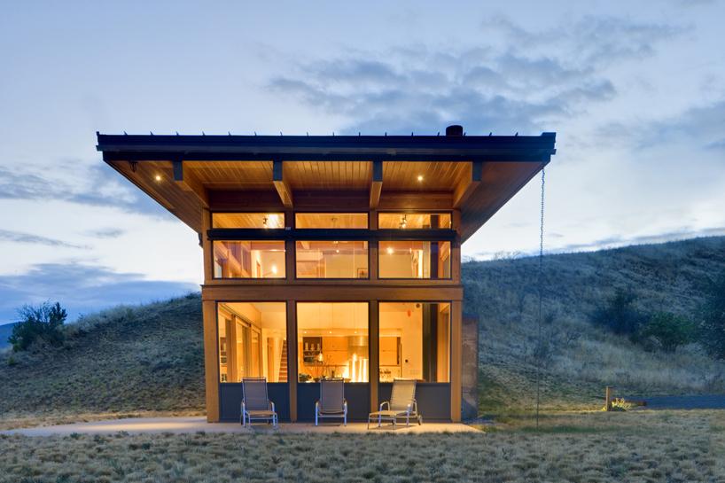 Balance Associates Build Picturesque Nahahum Cabin