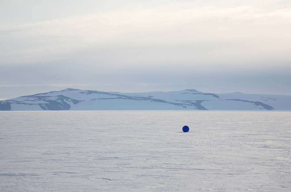 stellar axis aligns 99 blue spheres to stars in the antarctic sky designboom
