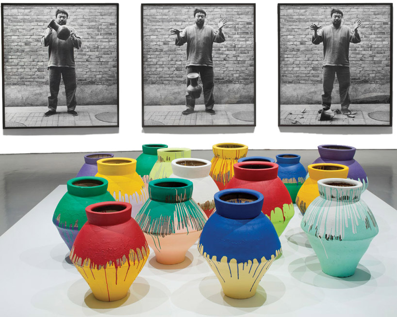 ai weiwei vase worth 1 million USD smashed at perez art museum miami