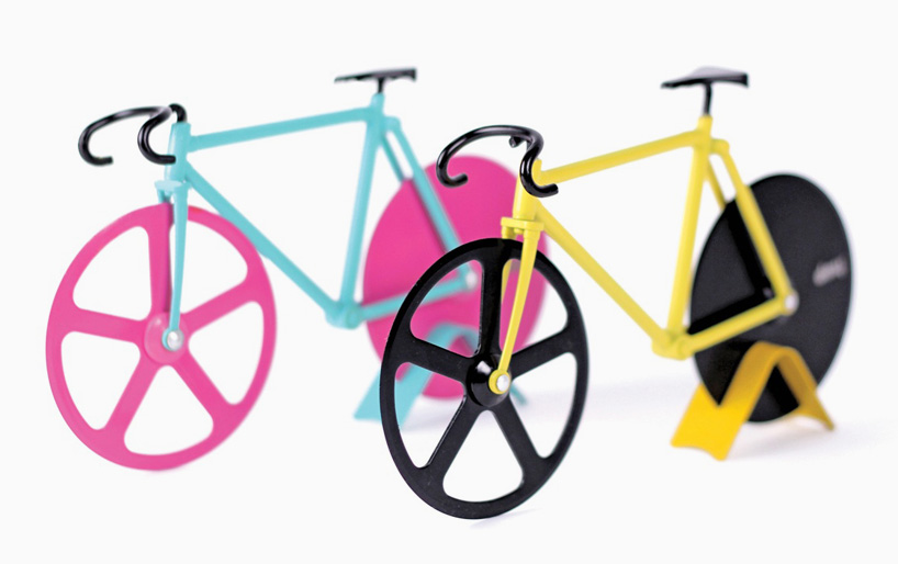 fixie-pizza-cutter-slices-with-bike-wheels-designboom-09