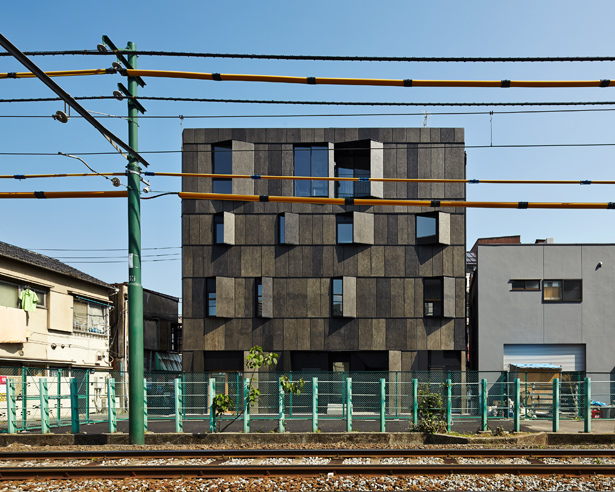 KINO Architects Completes KURO Building In Downtown Tokyo