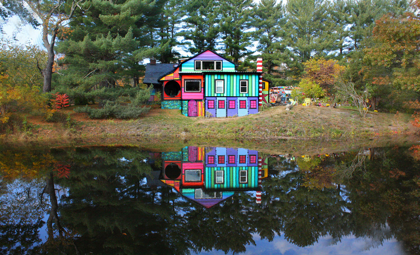 artist turns her new york home into a psychedelic retreat