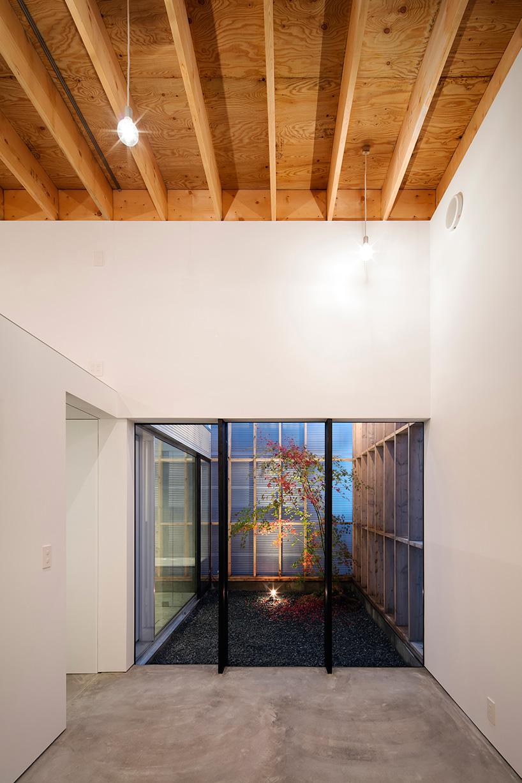 Garage Terrace House In Kyoto By Yoshiaki Yamashita