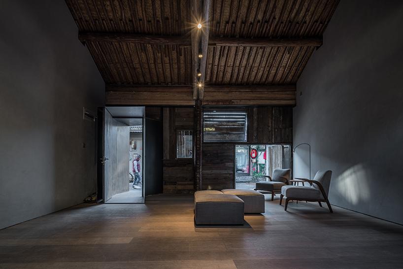 ZAOstandardarchitecture Creates Hostel Within Beijing Hutong