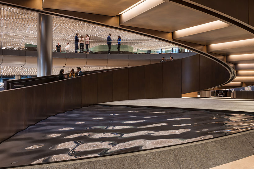 Foster Partners Integrates Artworks Into Bloombergs