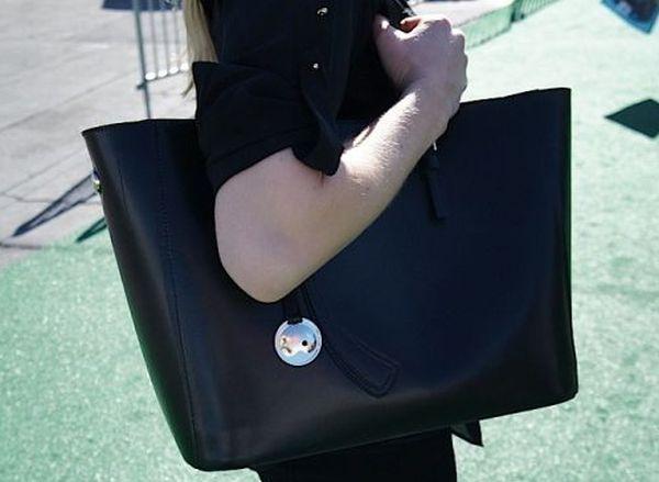 Leoht's tech handbag