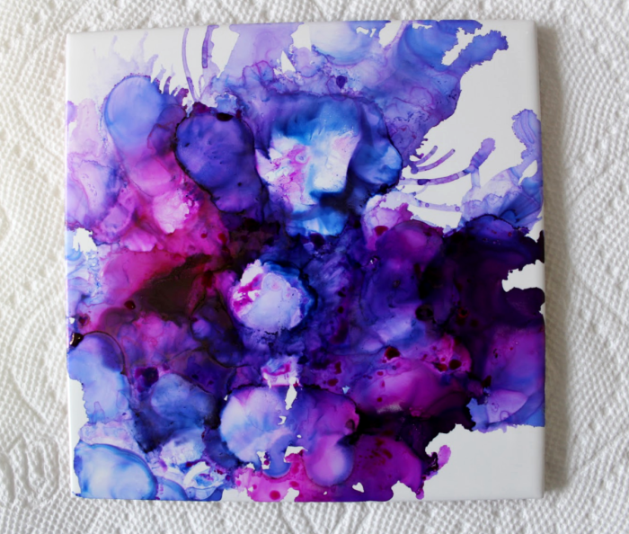 DIY alcohol ink coasters on tile. A fun and easy project. Make these for a gift as art as coasters, or just for fun. #alcoholinkcoasters