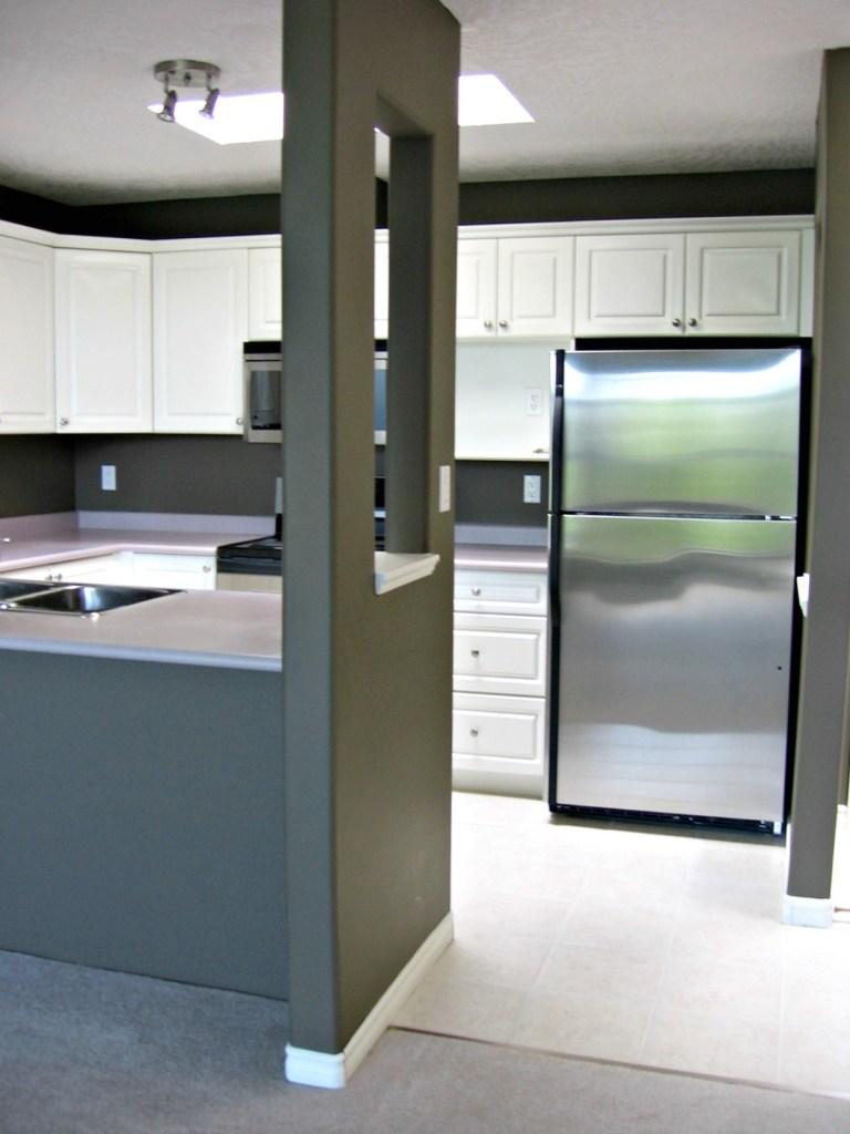 kitchen renovation before, 400 Dupplin Road