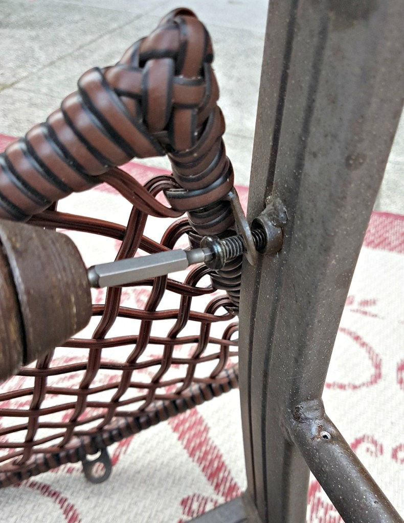 How to replace a patio chair sling.. #100RoomChallenge $100 Room Challenge Deck Refresh Recover sling chairs 