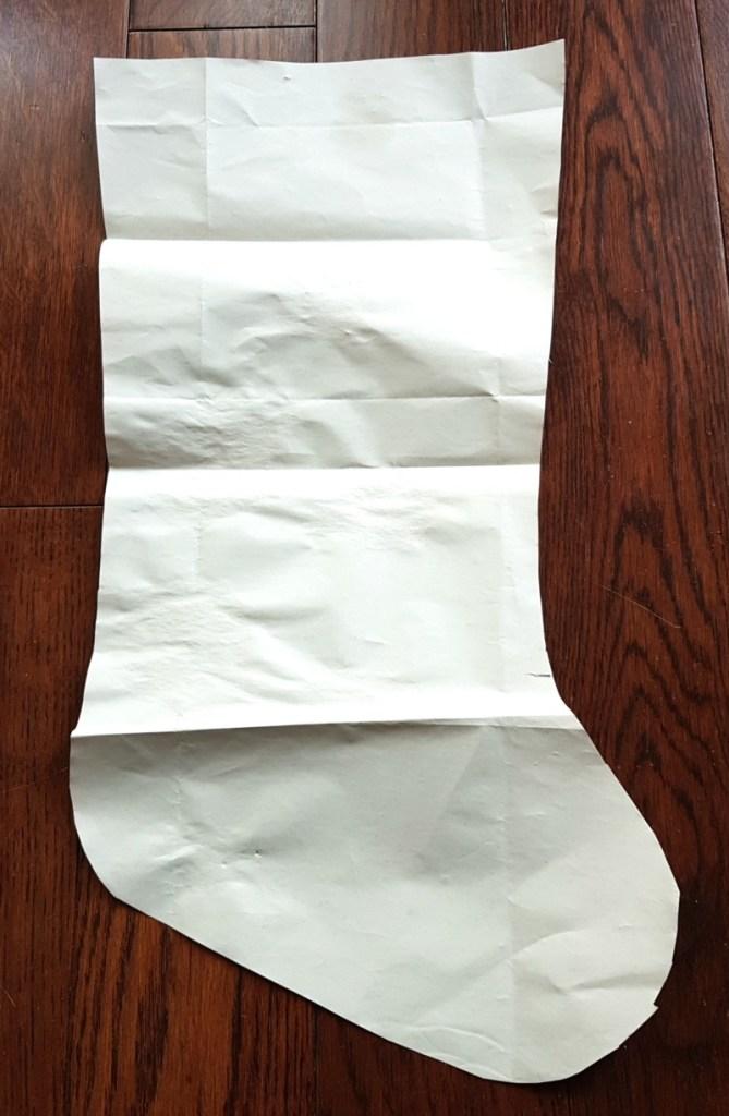 DIY Christmas stockings DIY Xmas stockings Easy Xmas stockings Classy christmas stockings shite christmas stockingschristmas stockings white Christmas stocking fur trimmed Christmas stocking