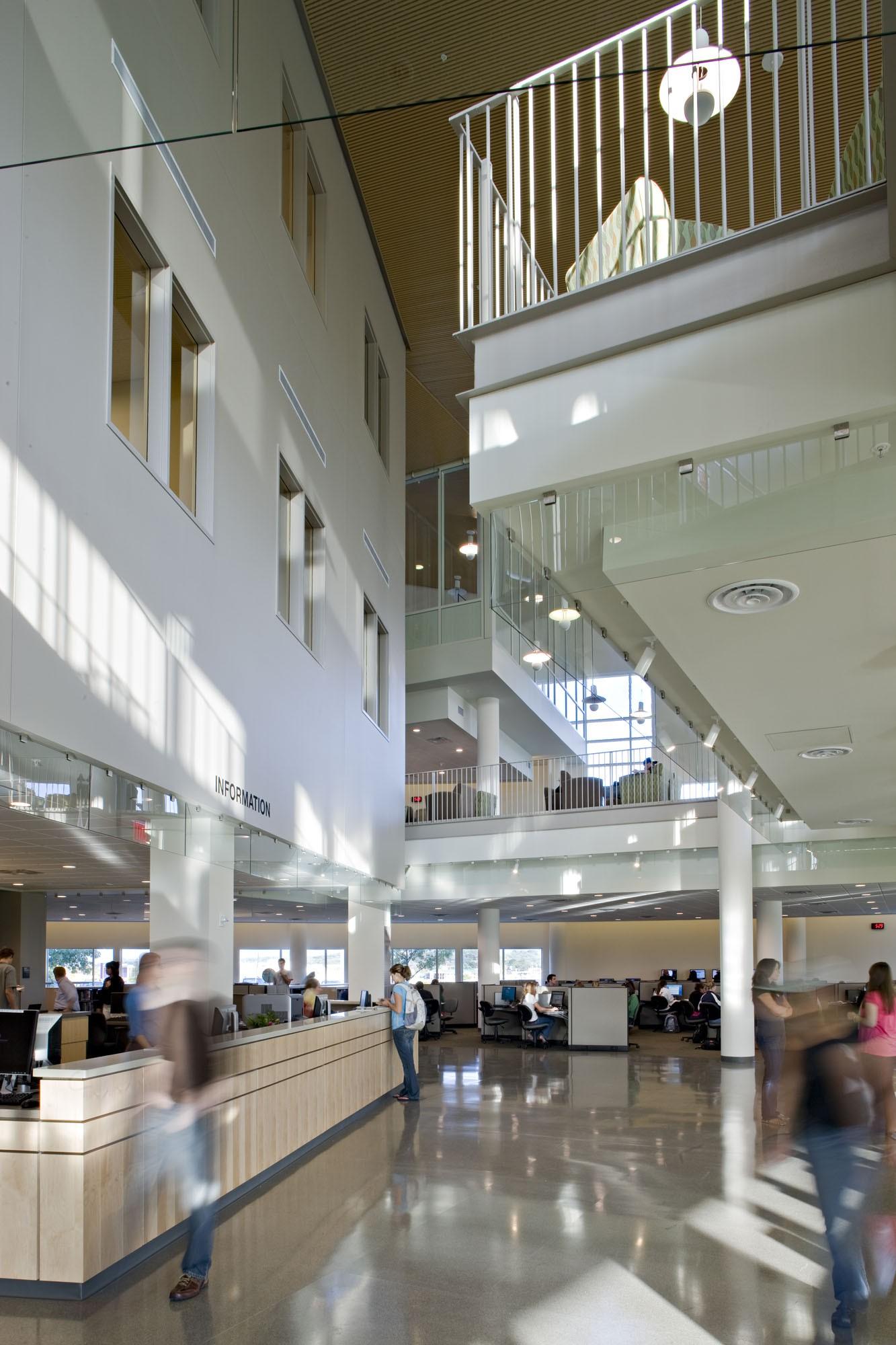 James Madison University Rose Library 183 Portfolio