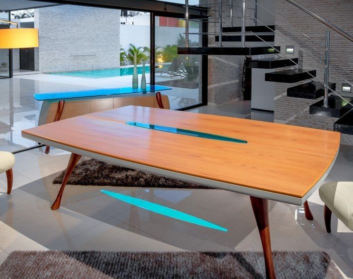 Aero Dining Table