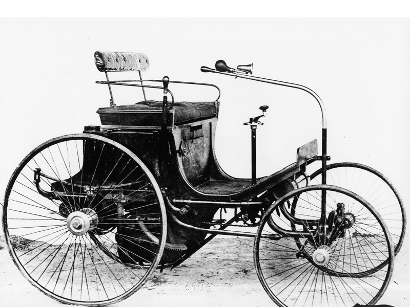 http://www.curbsideclassic.com/automotive-histories/automotive-history-peugeot-the-early-years-1889-1930-a-true-pioneer-most-of-all-of-the-dohc-four-valve-engine/