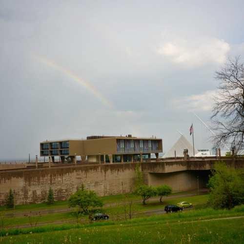 Milwaukee Art Museum/Over the Rainbow