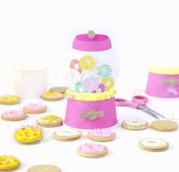"""DIY """"Gumball Machine"""" Donut Party Favors"""