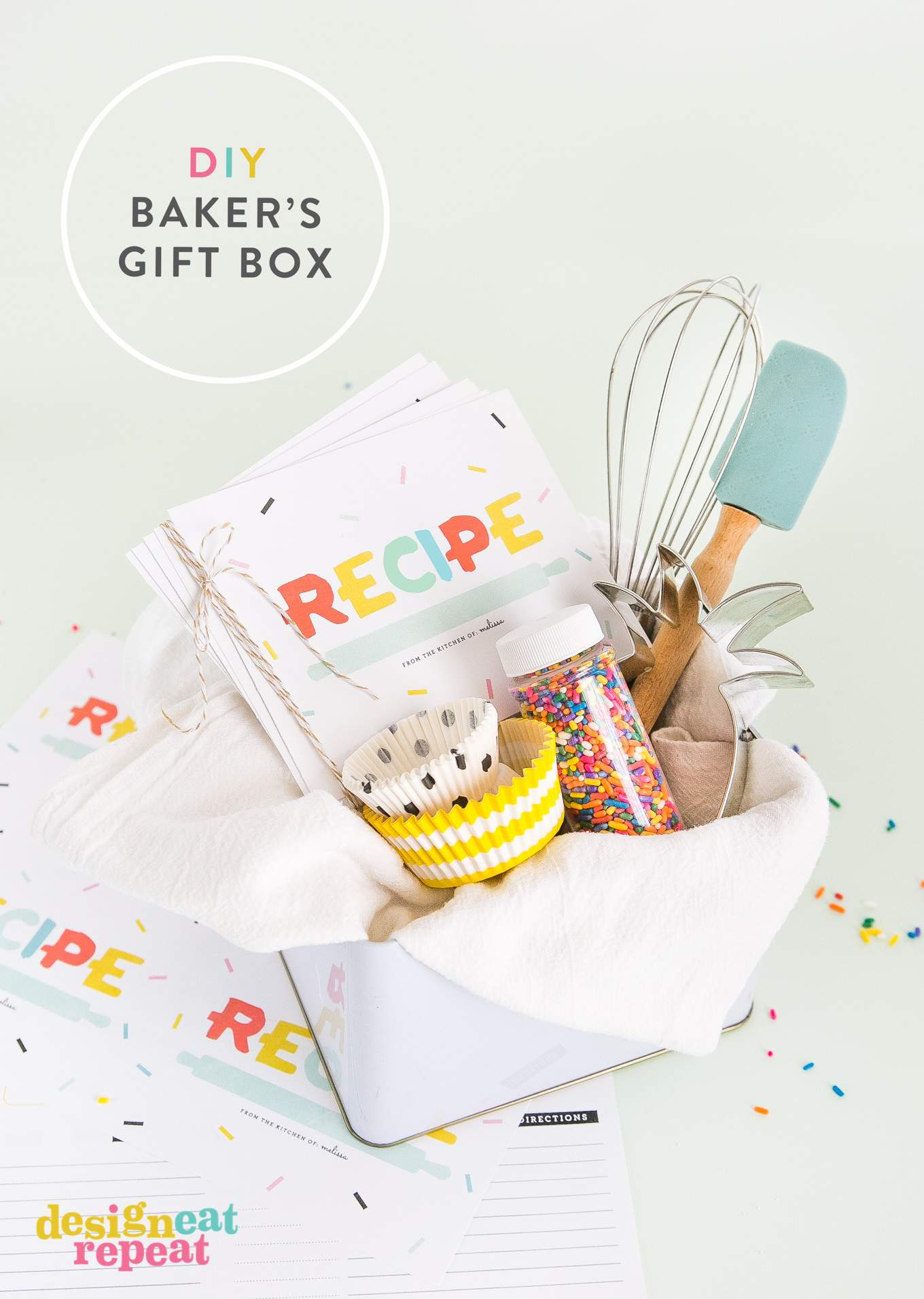 Download these free printable recipe cards & bring back the pre-internet nostalgia of hand writing & exchanging recipes with friends & family!